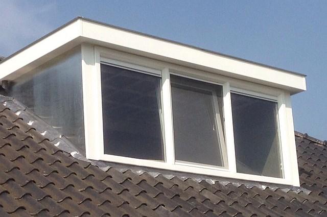 wbb-dakkapellen - Aluminium dakkapel met ventilatieroosters, kiep-tuimelraam en hor