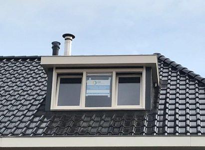 Voorbeeld van een standaard kunststof dakkapel van HPL