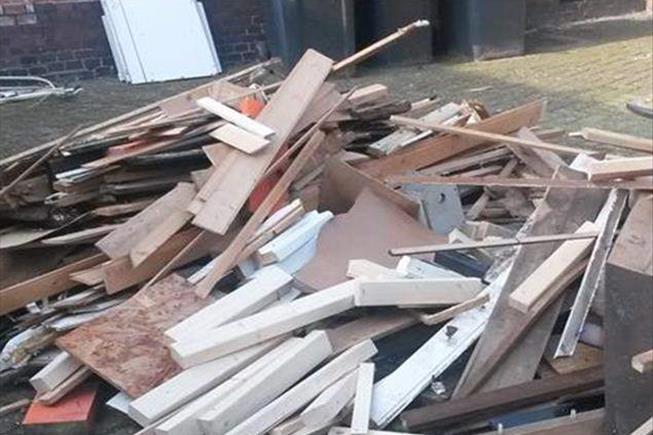 wbb dakkapellen - Opruimen en afvoeren overtollig materiaal direct na de plaatsing