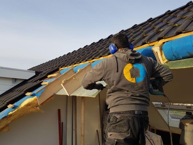 wbb-dakkapellen - voorbeeld plaatsing dakkapel: vergroten van het gat tot de definitieve grootte