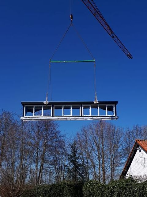 wbb-dakkapellen - takelen van een extra brede dakkapel